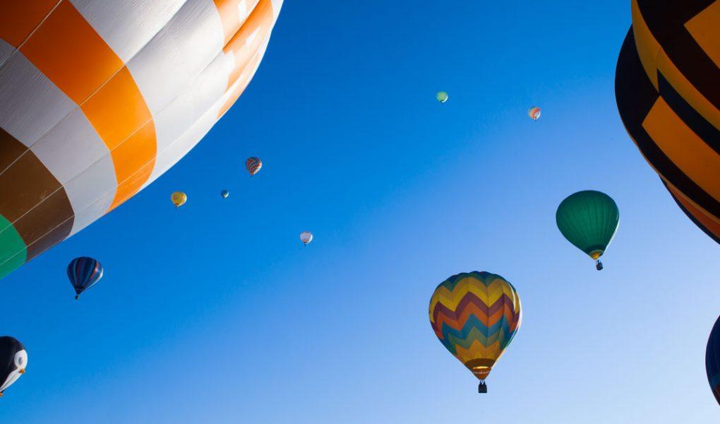 Photo des montgolfières au décollage près de saint-félicien,