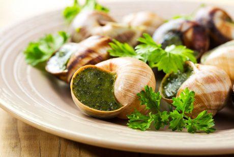 Plat d'escargots au beurre persillé